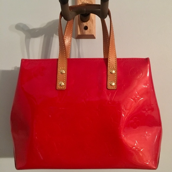 5c61c1e1a Louis Vuitton Handbags - Authentic Louis Vuitton Red Reade PM Vernis Bag